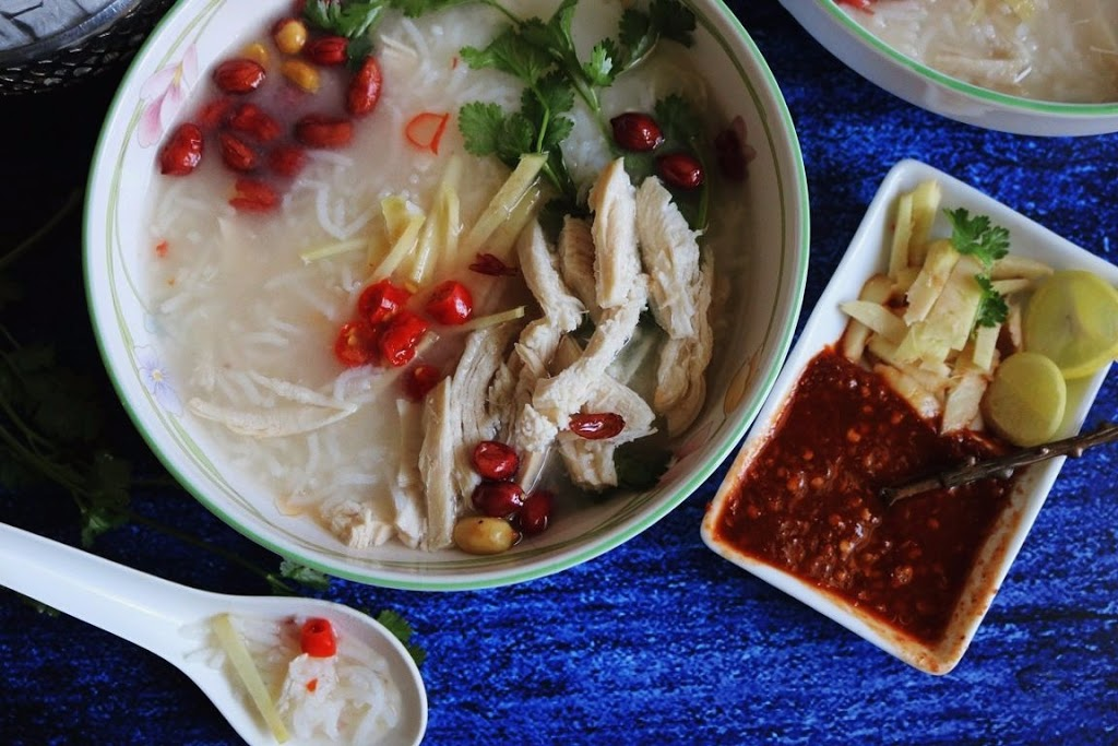 rice-soup-with-chicken-thai-style