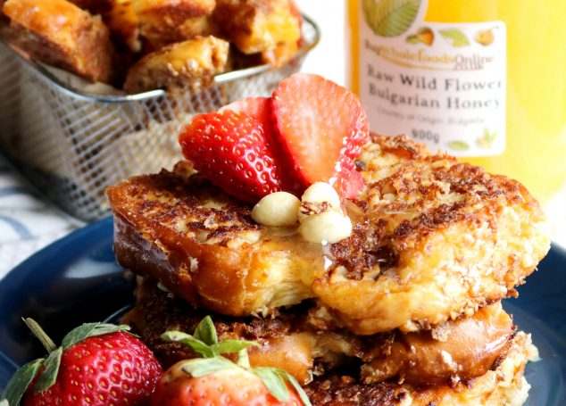 Valentine's Day Breakfast – Crispy French Toast with Macadamia Nuts