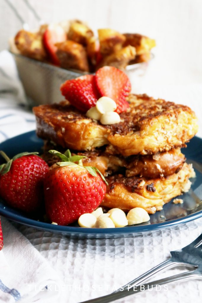 Crispy-french-Toast-with-Macadamia-Nuts
