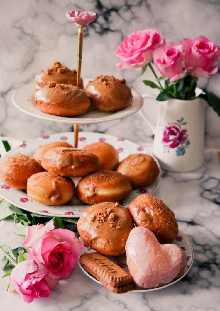 Biscoff-filled-Doughnuts