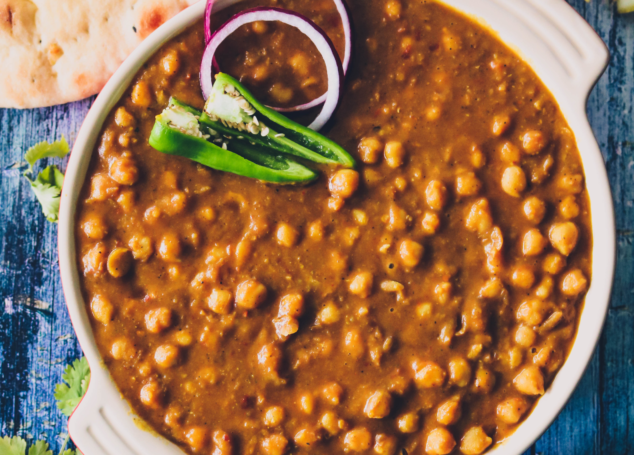 Lahori Chikar Chole [Mushy Chickpeas Curry]
